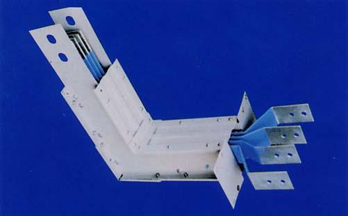 变压器进行配接,电流等级规格尺寸参照母线结构尺寸表.